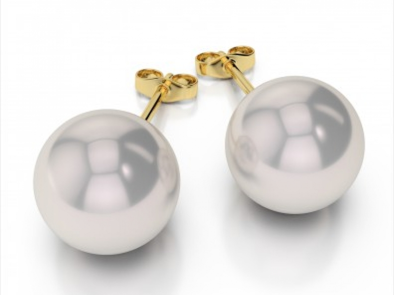 Pearl Studs by Master IJO Jeweler